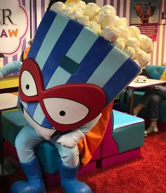 Kompilacja pomysłów na stroje reklamowe prezentuje się znakomicie. Popcorn