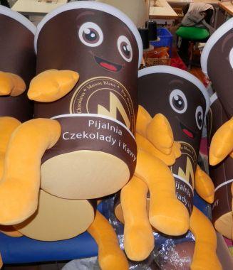 Czas pandemii, jako dobra pora na polskie maskotki reklamowe Elabika. Kubek
